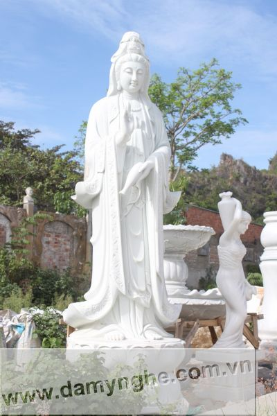 tượng Phật bằng đá Non Nước